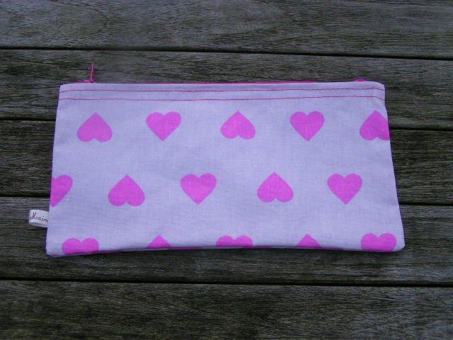 De fil en filles coeur pompon - Pompon en laine forme coeur ...